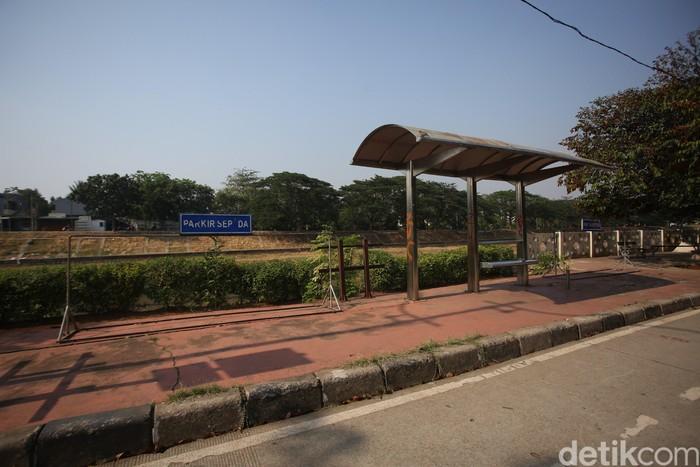 Namun menurutnya, jalur ini nantinya akan diintegrasikan dengan fase tiga jalur sepeda yang baru yang melewati Matraman dan berakhir di Jatinegara. (Foto: Agung Pambudhy/detikHealth)