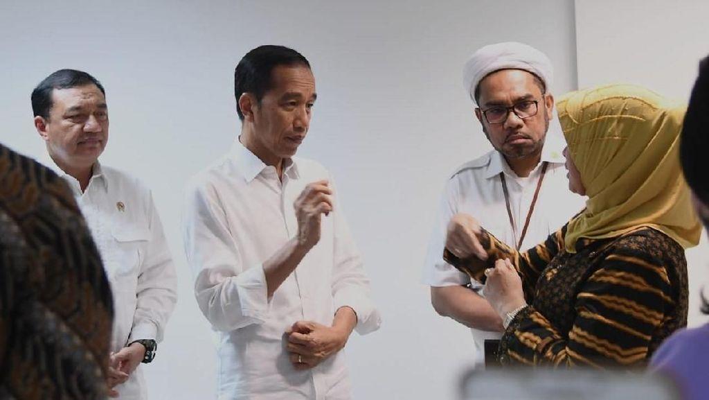 Borak Desak Jokowi Bebastugaskan Wiranto, Ngabalin: Apa Urgensinya?