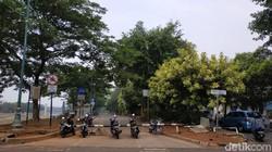 Jakarta tengah menguji jalur sepeda sepanjang 63 km. Sebelumnya, di KBT sudah lebih dulu ada jalur sepeda yang cukup rindang meski gersang di sebagian titik.