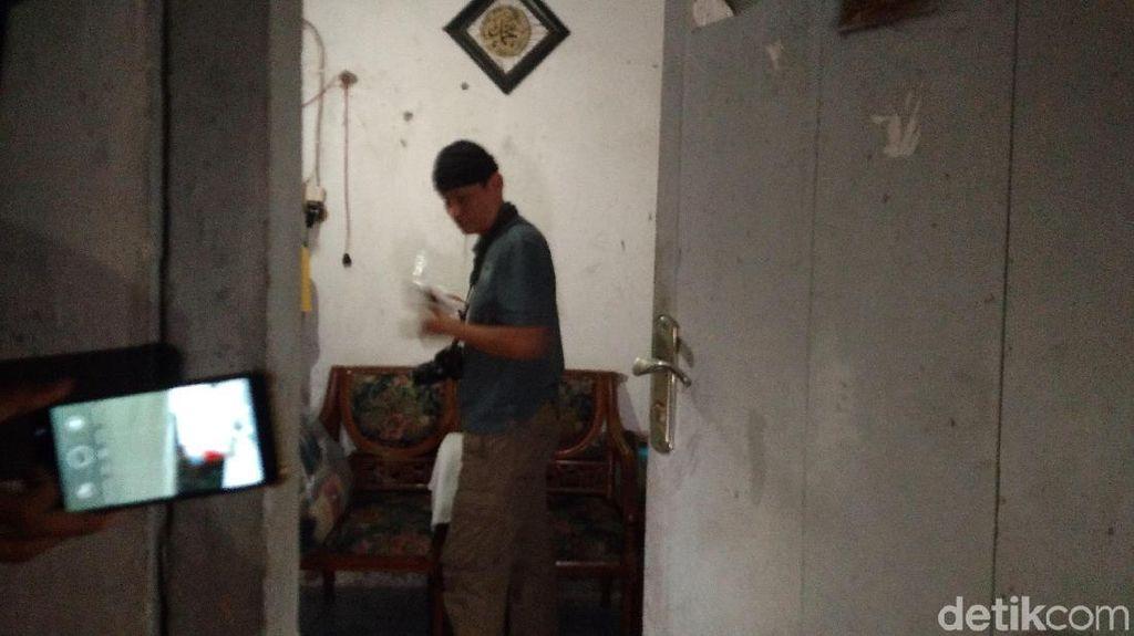 Terduga Teroris di Panjunan Cirebon Pedagang Es Keliling