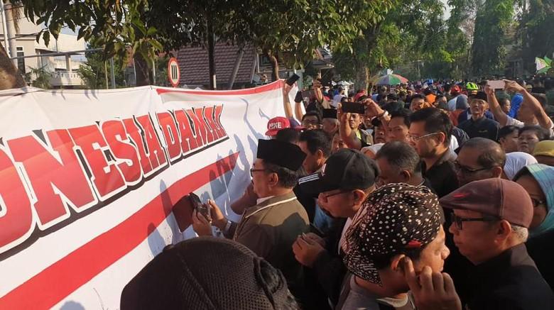 Ribuan Warga Jombang Deklarasi Damai Sambut Pelantikan Jokowi