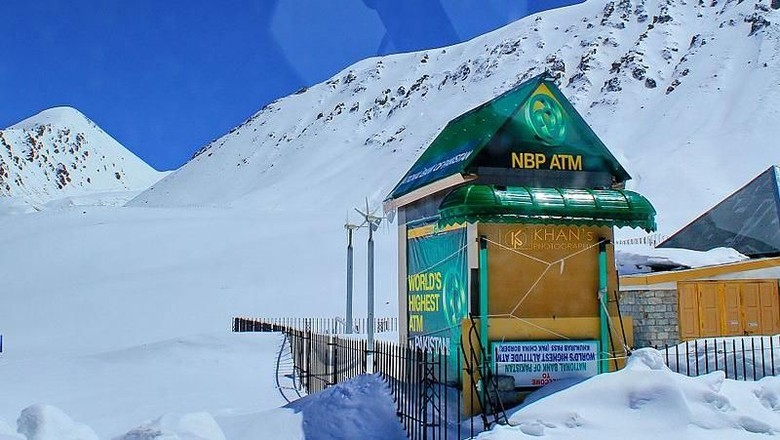 ATM tertinggi di dunia (Wikimedia Commons)