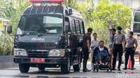 Menurut Juru Bicara KPK Febri Diansyah, Budi dan Lily akan diperiksa sebagai saksi untuk tersangka LJP (Leonardo Jusminarta Prasetyo).