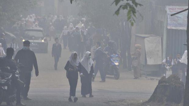 Hari Ini Asap Pekat Karhutla di Palembang Terparah