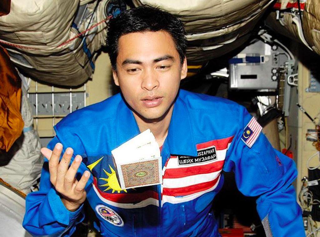 Dr. Sheikh Muszaphar Shukor adalah dokter ahli ortopedi dan astronaut pertama Malaysia. Foto: Instagram