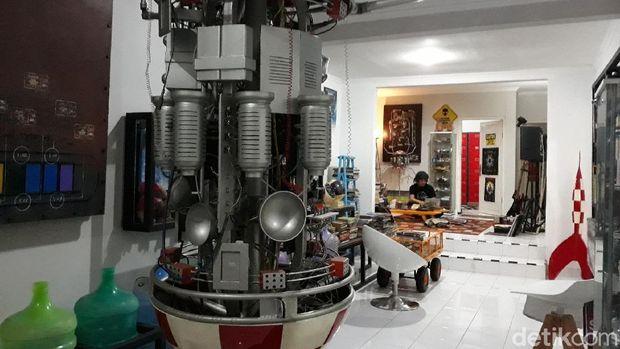 Venzha, Seniman Yogya yang Pernah Ikut Simulasi Hidup di Mars