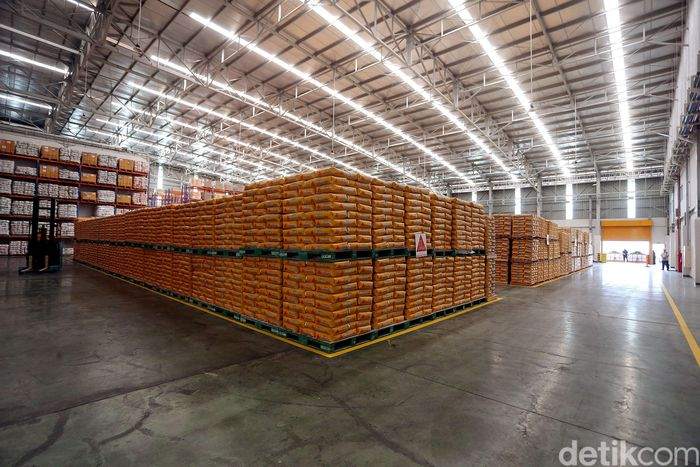 Begini penampakan pabrik bahan konstruksi Sika yang berlokasi di Cibitung, Bekasi, Senin (14/10/2019).