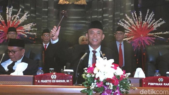 Prasetio Edi Marsudi resmi kembali menjabat Ketua DPRD DKI Jakarta. (Arief/detikcom)