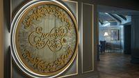 'Enchanted Rose', Bar Berkonsep Beauty and The Beast Resmi Dibuka