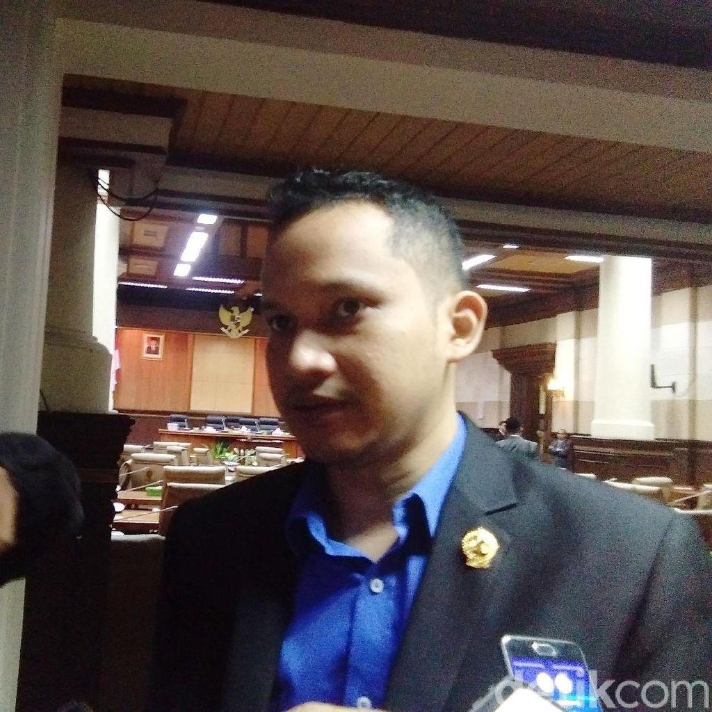 Hanum Rais Bolos Rapat Paripurna DPRD DIY, Adik: Anaknya Sakit