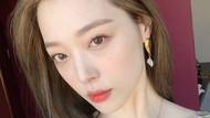 Video Momen Haru Taeyeon Beri Dukungan ke Sulli