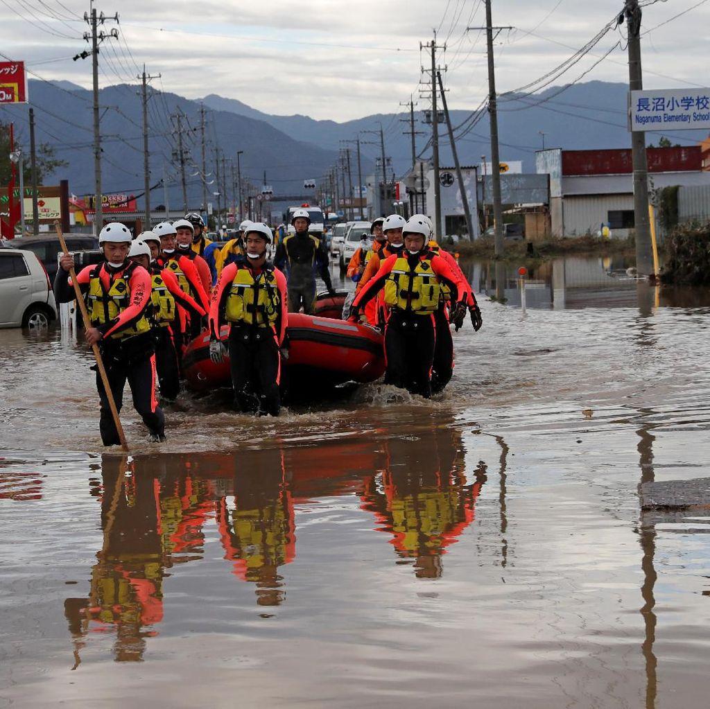 Proses Evakuasi Korban Topan Hagibis Terus Dilakukan
