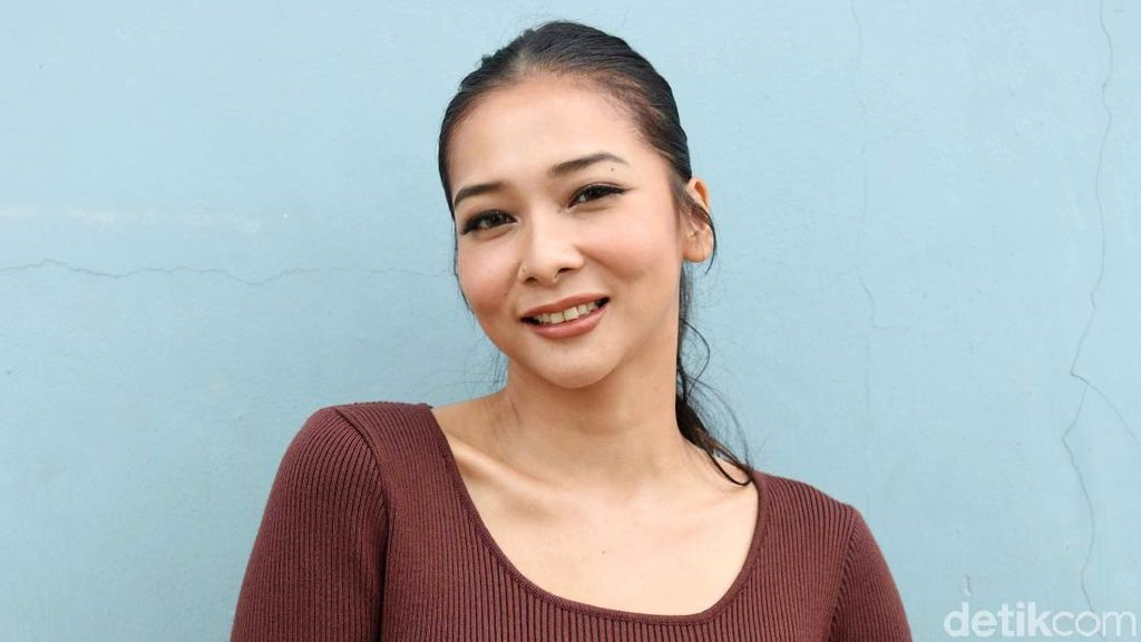 Bikin Penasaran Aja, Mey Chan Ngaku Belum Tergiur untuk Nikah