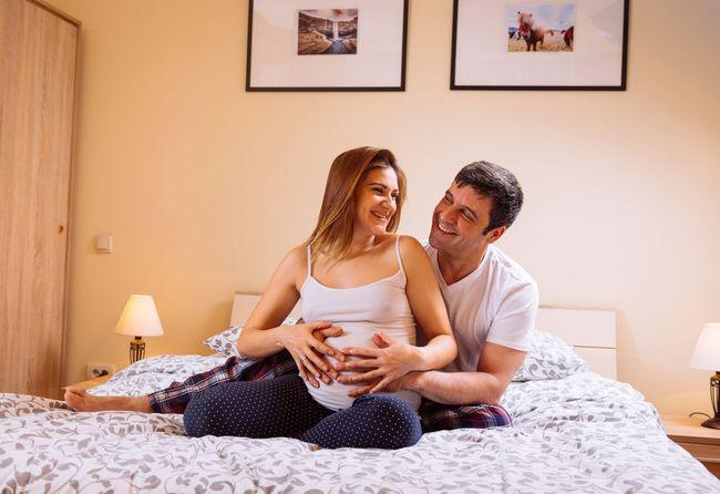 3 Posisi Seks Saat Hamil yang Aman Menurut Pakar