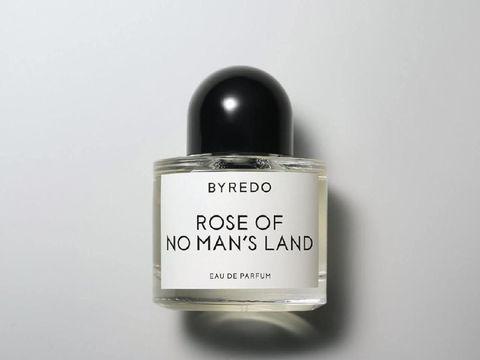 Rekomendasi Parfum Wangi Mawar yang Mewah dan Romantis, Cocok untuk Kencan