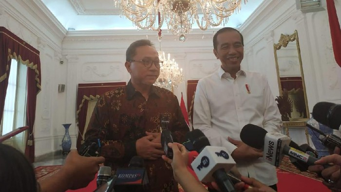 Foto: Jokowi temui Zulkifli Hasan. (Andhika Prasetia/detikcom).