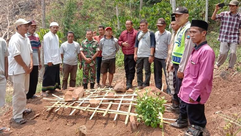 Anak di Probolinggo yang Bongkar Makam Ibunya Derita Gangguan Jiwa
