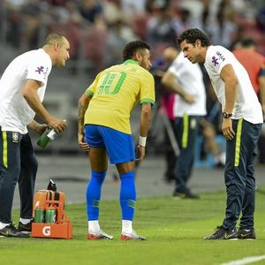 Tite Bela Keputusannya Mainkan Neymar