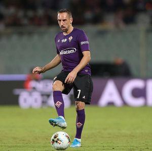 Ancam Tinggalkan Fiorentina Usai Kemalingan, Ribery Dicibir Ultras