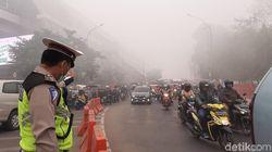 Kabut Asap Selimuti Palembang, Berkendara Harus Ekstra Waspada
