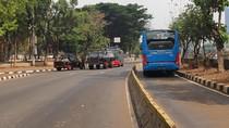 Jalan Gatsu ke DPR Ditutup hingga 20 Oktober, TransJ Alami Pengalihan Rute