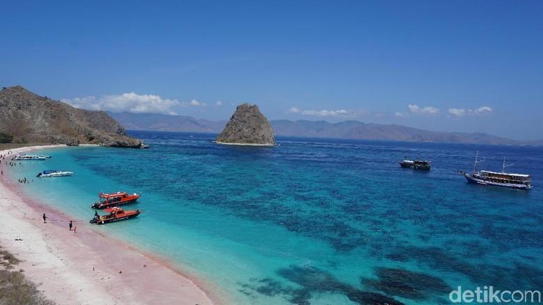 Foto: Pantai Pink, Labuan Bajo (Foto: Ahmad Masaul Khoiri/detikcom)