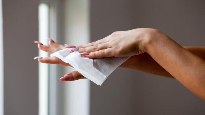 Tisu magic sering dipakai untuk merawat luka, namun dokter mengatakan itu tidak tepat. (Foto: iStock)
