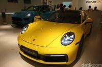 Karena Fitur Ini, Porsche 911 Oke Dibuat Hujan-hujanan