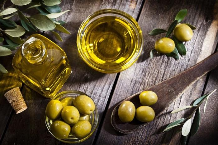 Manfaat minyak zaitun untuk wajah dan kesehatan. Foto: iStock