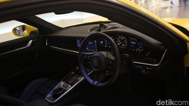 Interior Porshe 911 Carrera S tipe 992