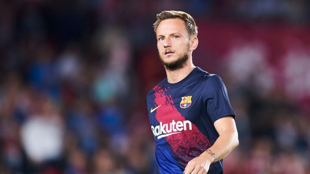 Rumor Transfer: Agen Tawarkan Rakitic ke Inter hingga MU