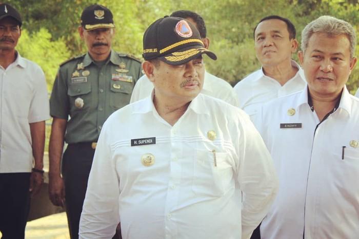 Komisi Pemberantasan Korupsi (KPK) menggelar operasi tangkap tangan pada Bupati Indramayu, Supendi. Pria asli Indramayu ini disinyalir menerima gratifikasi. Foto: instagram @kang_supendi
