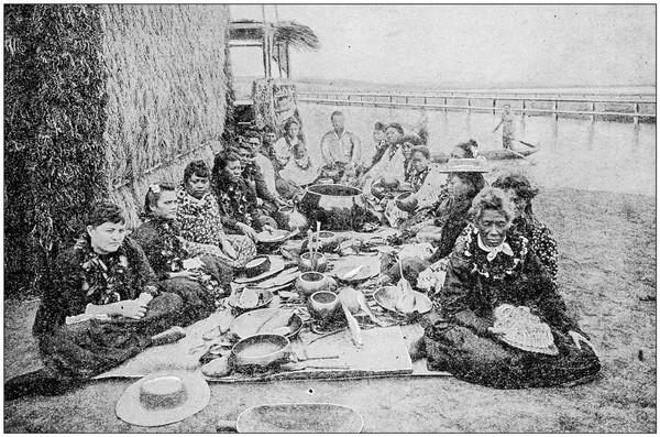 Kamehameha lantas menduduki tiap kerajaan dan menyatukan semuanya sebagai kerajaan Hawaii. Kamehameha dikenal sangat kuat, bahkan bisa mengangkat batu seberat 2 ton (iStock)