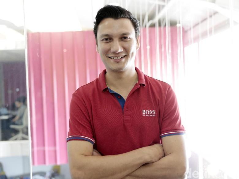 Christian Sugiono tawarkan ide terhadap netizen. Foto: Asep Syaifullah/detikHOT
