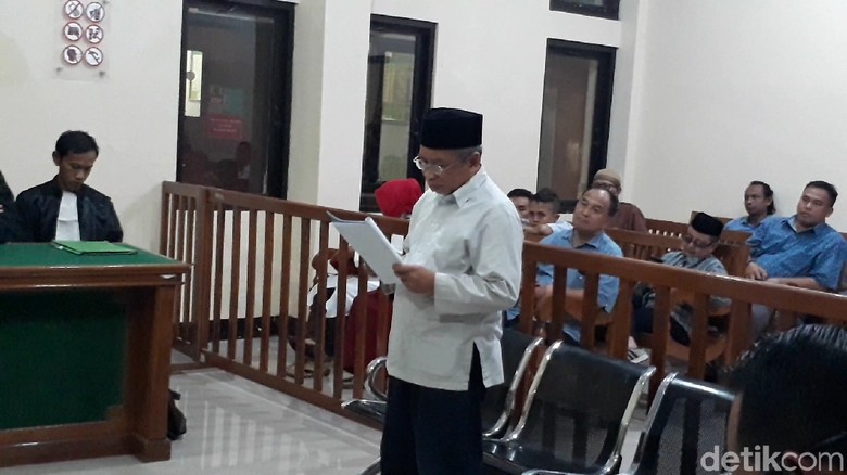 Sampaikan Pleidoi, Pelawak Qomar Minta Pembuat SKL Palsu Dikuak