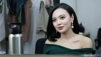 Ibu Sudah Bawel Minta Cucu, Wika Salim: Sabar Ya!