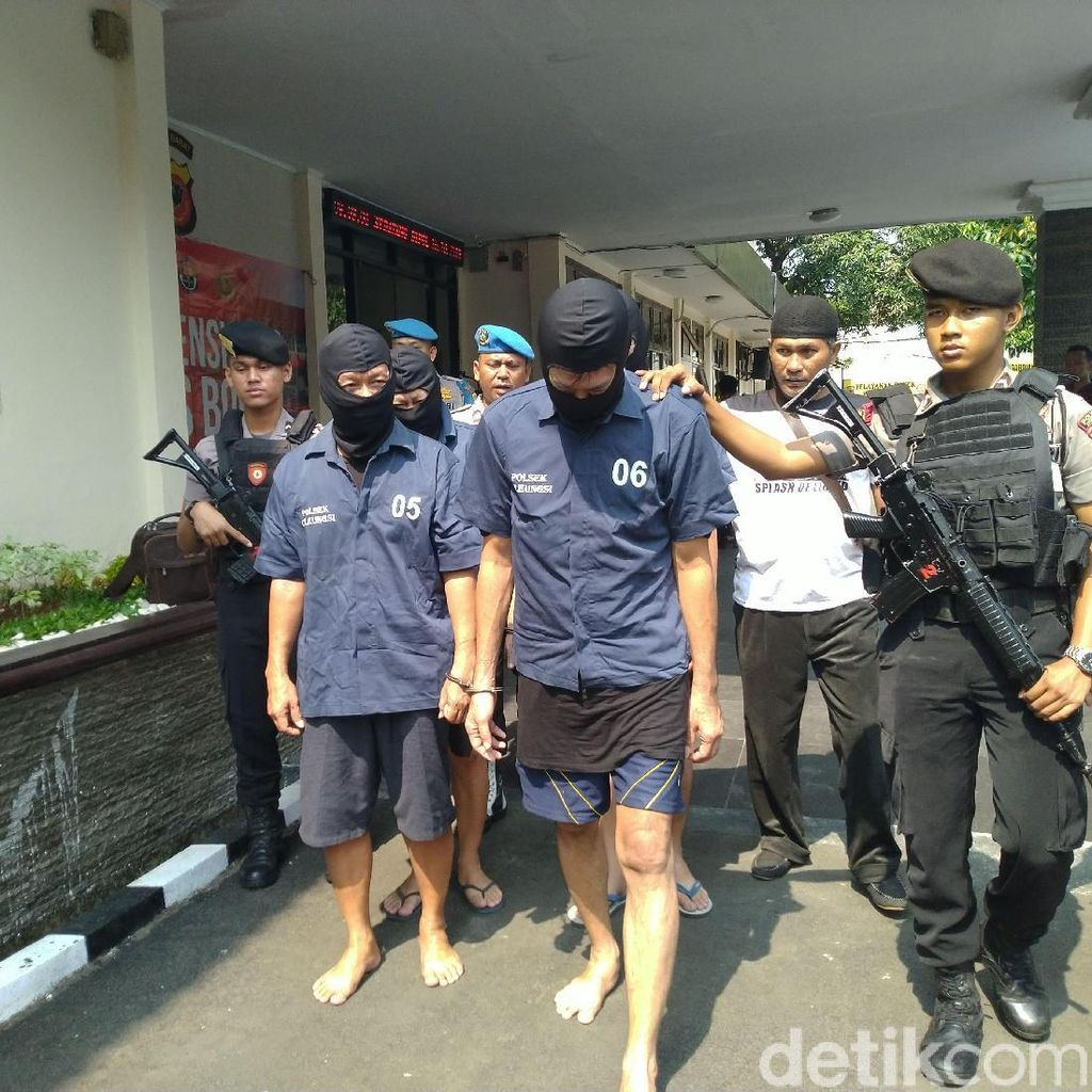 Polisi Tangkap 4 Orang Penipu Pedagang Emas Pasar Cileungsi