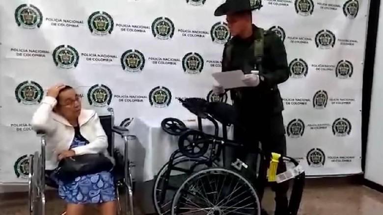 Foto: Nenek Irene ditangkap polisi (dok. Kepolisian Medellin)