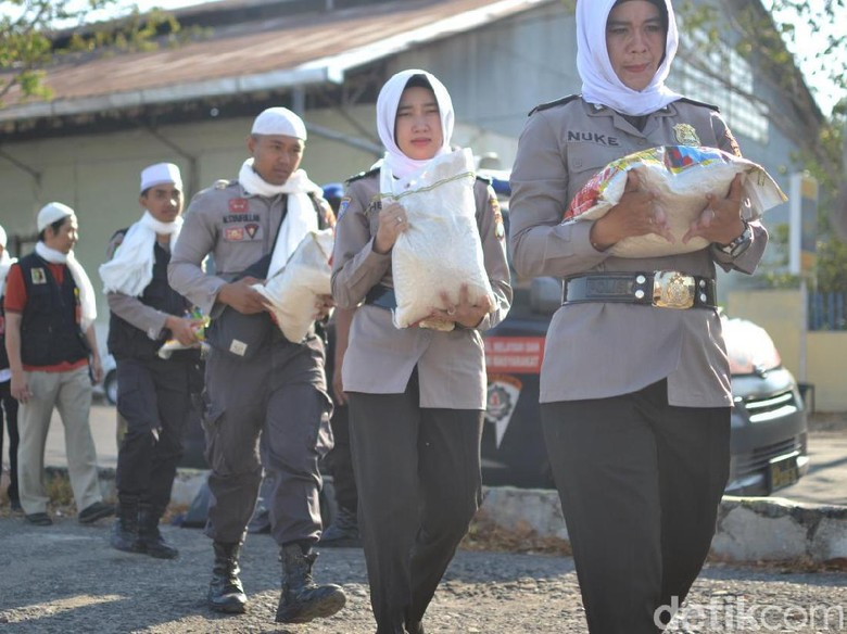 Sambut Hari Santri Nasional, Polisi Kota Probolinggo Gelar Baksos