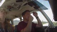 Pilot Ini Bawa Keluarga Saat Penerbangan, Tiba-Tiba Mesin Rusak