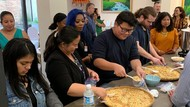 20 Pelajar Chicago Praktek Langsung Membuat Tempe