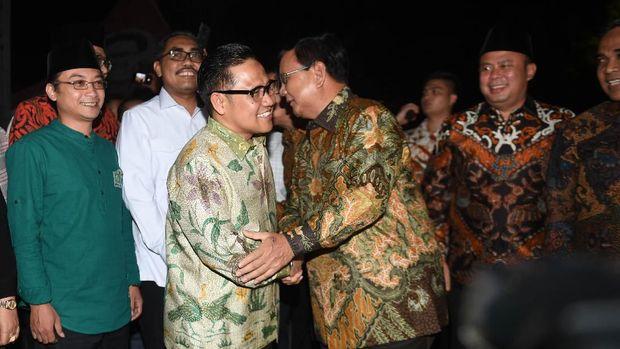 Beda Gaya Berburu Restu Prabowo dan Langkah Santai SBY