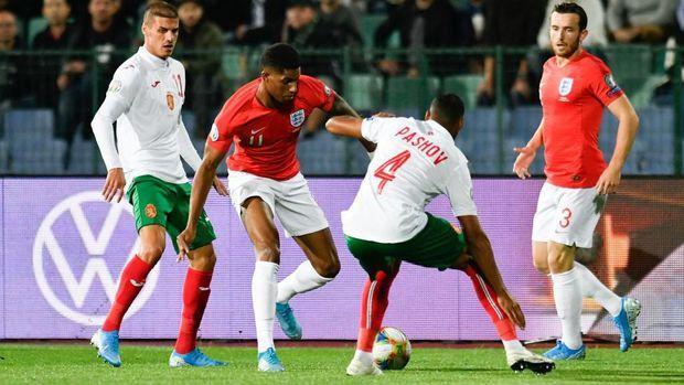 Marcus Rashford cetak gol pembuka yang spektakuler.