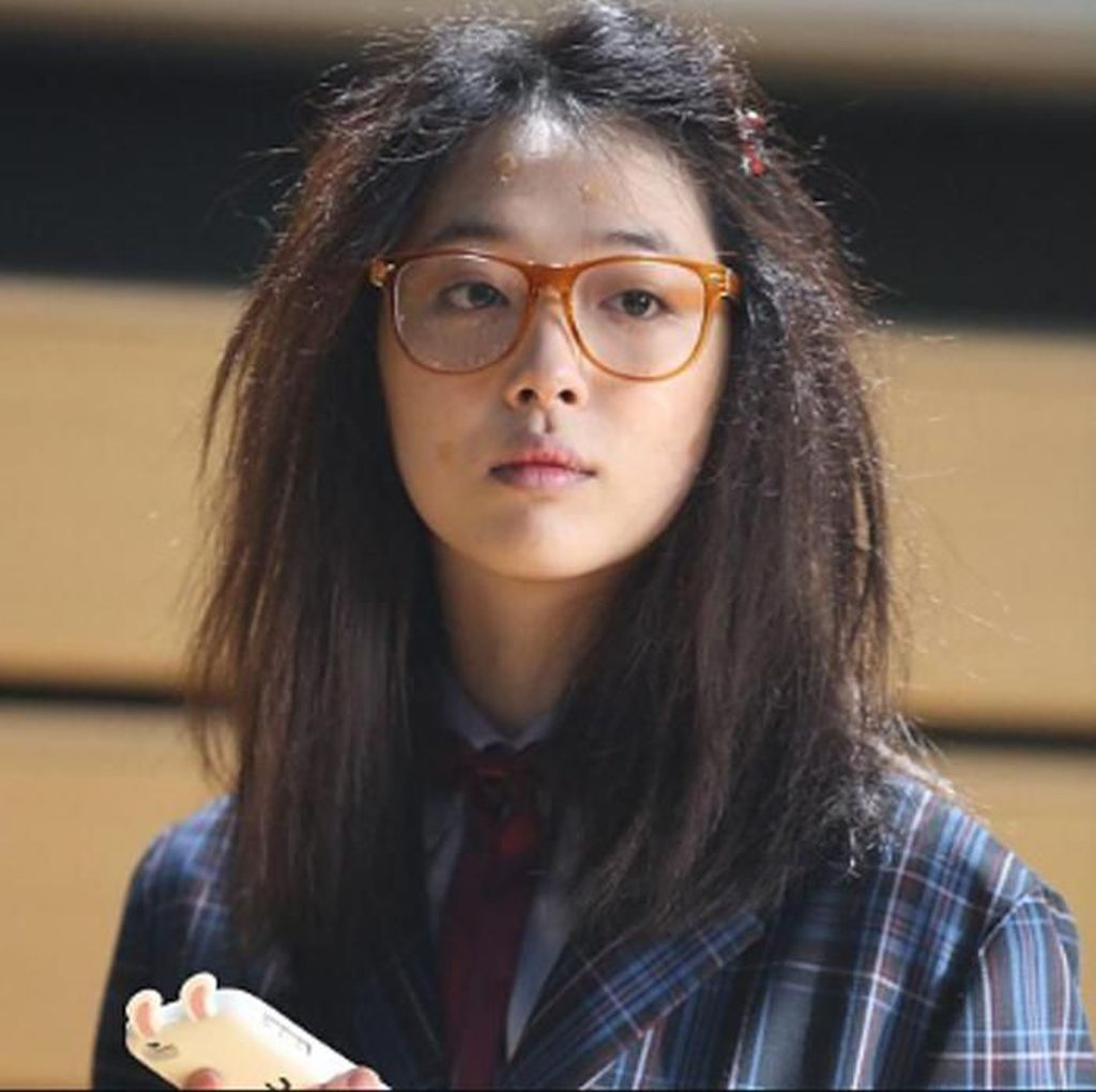 Transformasi Penampilan Sulli di Film dan Drama Korea
