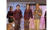 Didiet Maulana Angkat Tenun untuk Seragam Pramugari Garuda Indonesia