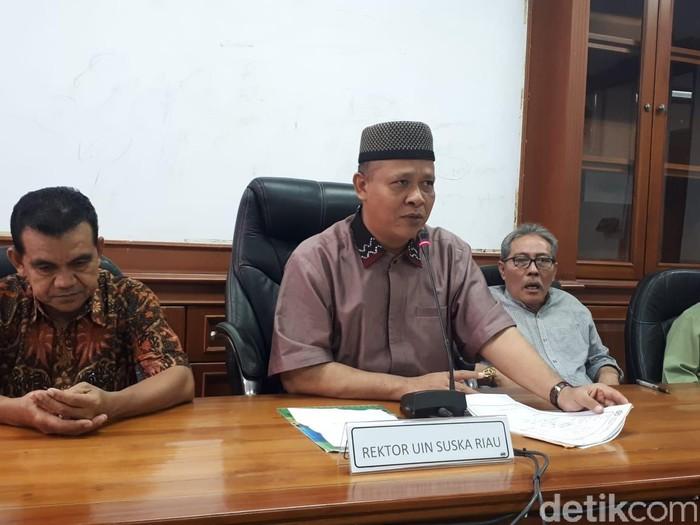 Rektor UIN Suska Akhmad Mujahidin (Chaidir Anwar Tanjung/detikcom)