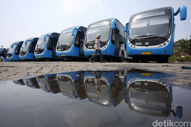 Bus Zhongtong untuk armada TransJakarta. Foto: Agung Pambudhy