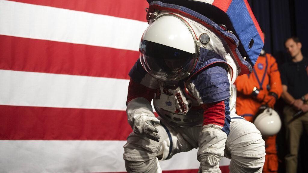 Lebih Dekat dengan Baju Astronaut Baru NASA Buat ke Bulan