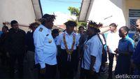 Momen Mendikbud Muhadjir Effendy meninjau sekolah di Wamena, Papua