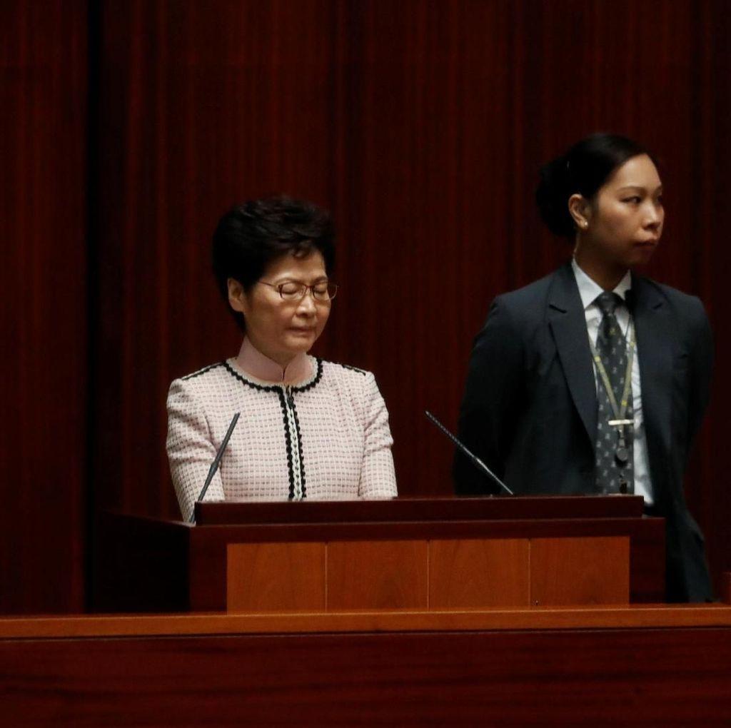 Diprotes Oposisi di Parlemen, Pemimpin Hong Kong Batal Pidato Kenegaraan